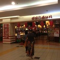 Photo taken at Shogun Japanese Buffet Restaurant by Gayatri Nui Menon 💋 on 8/7/2013