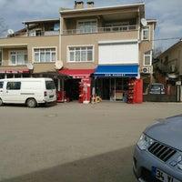 Photo taken at Şen Bakkaliyesi by Kaptan Incitmez G. on 3/8/2016