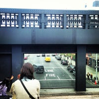 Foto tirada no(a) High Line 10th Ave Amphitheatre por Pedro V. em 5/6/2013