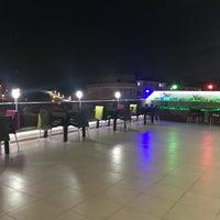 Foto diambil di Dreams Cafe oleh Serkan Ö. pada 8/8/2018