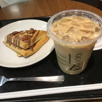 Photo taken at Starbucks by りょうせい on 4/22/2017
