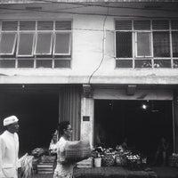 Photo taken at Pasar Kumbasari (Kumbasari Market) by Ésha S. on 12/17/2013