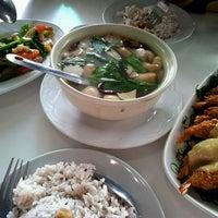 Photo taken at Bai Ngoen Restaurant by ⓣÜ t. on 8/11/2013