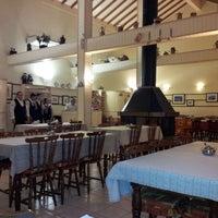 Foto tirada no(a) Café Colonial Gramado por Santiago em 11/4/2012