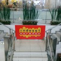 Photo taken at Galeri Indosat by Sylvia 'cetz' W. on 2/24/2017