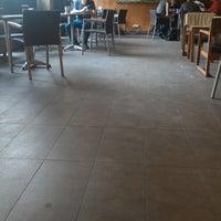 5/20/2017 tarihinde Sylvia 'cetz' W.ziyaretçi tarafından Starbucks'de çekilen fotoğraf