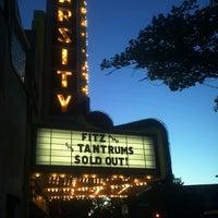 Foto scattata a Varsity Theater & Cafe des Artistes da Rae T. il 6/17/2013