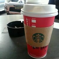Foto tirada no(a) Starbucks Coffee por Bryan L. em 1/6/2017