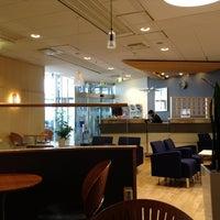 Foto diambil di Menzies Business Lounge oleh Emmerson E. pada 6/17/2013