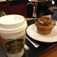 Photo taken at Starbucks by Ruici S. on 1/4/2013