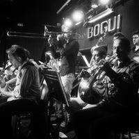 Photo taken at Bogui Jazz by BuscaMusica.es on 12/1/2016