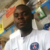 Photo taken at Carrefour idéal akwa by Benjamin Willifride E. on 6/19/2016