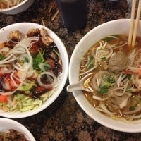 Photo taken at PHO 21 - Western by Letty R. on 2/10/2014