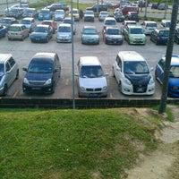 Photo taken at 1Borneo Hypermall Car Parking by Siti Salviah J. on 12/30/2015