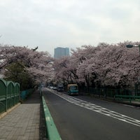 Снимок сделан в 青山陸橋 пользователем Akira Y. 3/29/2013