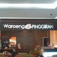 Photo taken at Waroeng Pinggiran by alice d. on 10/18/2013