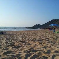 Foto tirada no(a) Praia da Amoreira por Edgar C. em 6/30/2013
