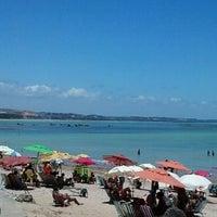 Foto tirada no(a) Praia de Ponta Verde por harrii l. em 1/28/2013
