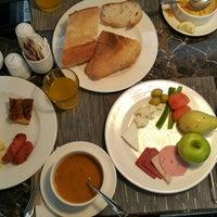 1/31/2018 tarihinde Saeed C.ziyaretçi tarafından Metropolitan Hotel Taksim'de çekilen fotoğraf