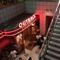 9/29/2012にShuzo H.がOutback Steakhouse 名古屋栄店で撮った写真