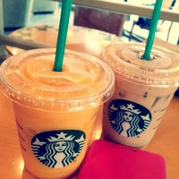 Photo taken at Starbucks by Kiwon N. on 7/25/2013