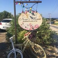 7/22/2017 tarihinde Esra B.ziyaretçi tarafından Noni's House'de çekilen fotoğraf