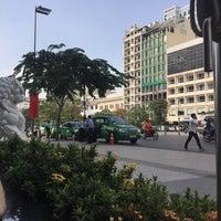 Photo taken at Cafe Central Nguyen Hue by J.Esteban V. on 11/27/2016