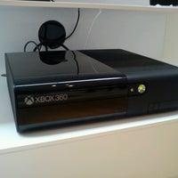 Foto tirada no(a) Microsoft Store por Nymo em 6/20/2013