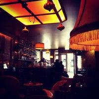 Foto scattata a Café Brecht da Arnaud R. il 6/9/2013