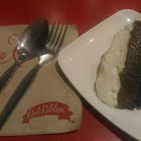 Photo taken at Red Ribbon by Jan Ray P. on 4/11/2016