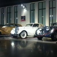 Foto tomada en Museo Automovilístico de Málaga por James A. el 3/8/2013