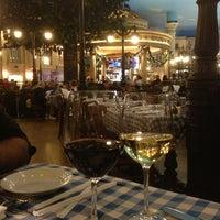 12/26/2012 tarihinde Rao G.ziyaretçi tarafından Le Cafe Ile St-Louis'de çekilen fotoğraf