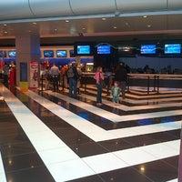 Foto tomada en Cineplanet por Herman U. el 11/7/2012