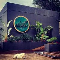 12/18/2012 tarihinde Emir B.ziyaretçi tarafından Mint Restaurant & Bar'de çekilen fotoğraf