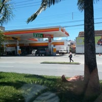 Photo taken at Posto Bela Jóia by Matheus W. on 12/17/2012