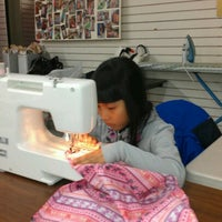 12/14/2012にShirley A.がBeverly's Fabric & Craftsで撮った写真