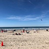 Foto tirada no(a) Mission Beach por Eric D. em 1/28/2018