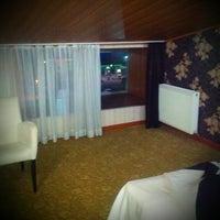 Foto diambil di Grand Ser Hotel oleh baver a. pada 9/18/2013