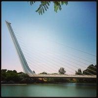 Foto tomada en Puente del Alamillo por Donatello G. el 7/7/2013