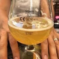 Foto tirada no(a) Stone Brewing Tap Room por Ossi H. em 7/27/2018