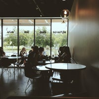 Das Foto wurde bei Houndstooth Coffee von Ariel M. am 6/8/2013 aufgenommen