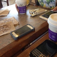 Photo taken at The Coffee Bean & Tea Leaf by Sali K. on 7/29/2016