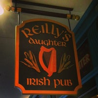 Photo prise au Reilly's Daughter Irish Pub par Pat M. le1/30/2013