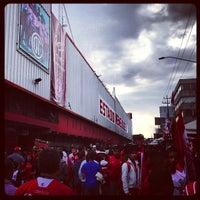 Foto tomada en Estadio Nemesio Diez por Ulises el 12/2/2012