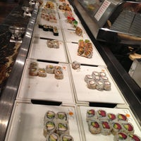 Foto tomada en POC American Fusion Buffet & Sushi por Dany R. el 4/26/2013