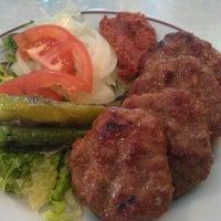 11/1/2012 tarihinde Burak S.ziyaretçi tarafından Çatalcalı Ali Baba Koftecisi'de çekilen fotoğraf