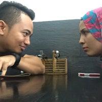 Photo taken at Ayam Penyet Nusantara by Fitri C. on 1/8/2017