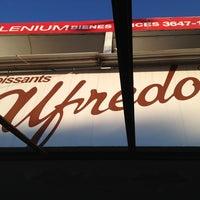 Foto tomada en Croissants Alfredo por Luis E. el 12/19/2012