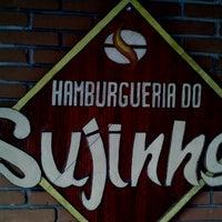 Foto tirada no(a) Hamburgueria do Sujinho por Luiz G. em 3/22/2013
