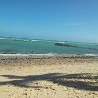 Foto tirada no(a) Praia da Garça Torta por Paulo C. em 11/17/2012
